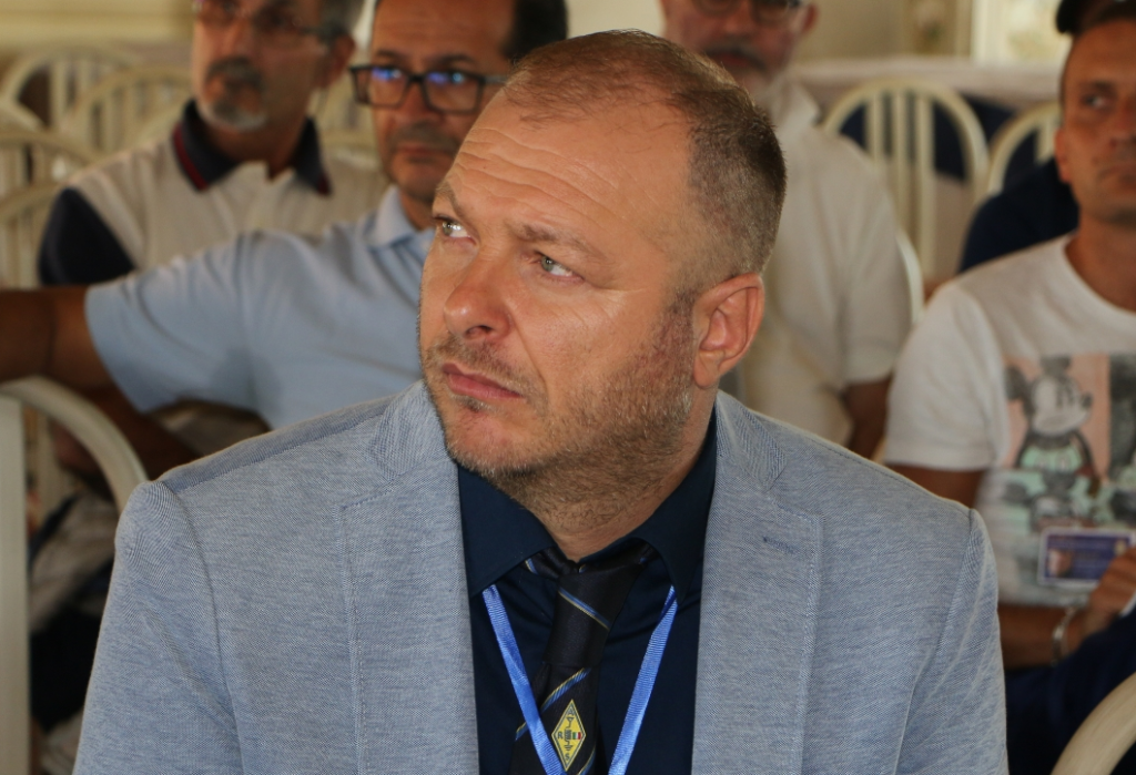 iu8acv-vice-président
