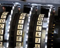 """Decifrar uma vitória, mostrar no carro """"Enigma"""""""